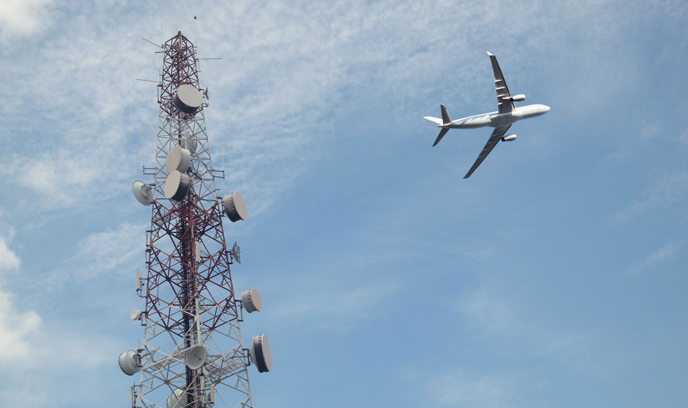 visual and automatic remote site tower monitoring of obstruction lighting systems requirements of faa
